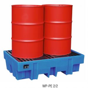 PE opvangbak voor 2 x 200 l vaten met PE pallet