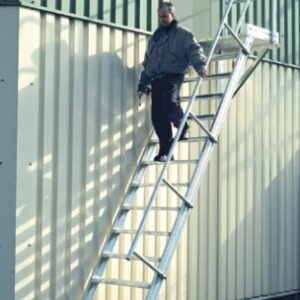 Vaste trap met platform - 60°
